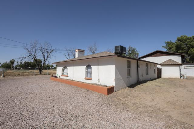 6329 N 64TH Drive, Glendale, AZ 85301 (MLS #5943521) :: Kortright Group - West USA Realty