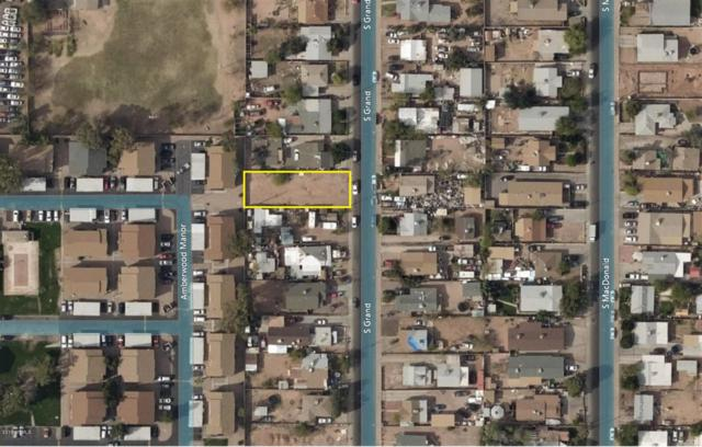 702 S Grand, Mesa, AZ 85210 (MLS #5943888) :: Homehelper Consultants