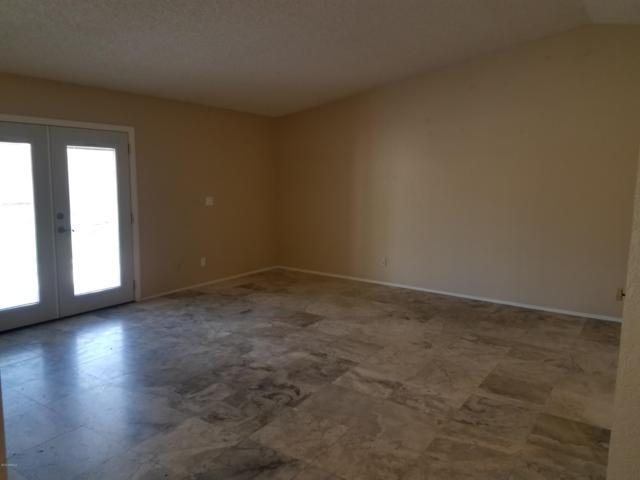 3060 E John Cabot Drive, Phoenix, AZ 85032 (MLS #5951828) :: CC & Co. Real Estate Team