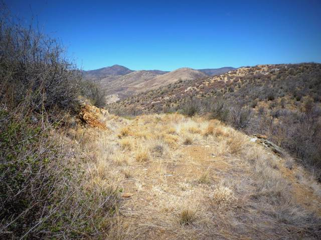 167n E Meadow Drive, Mayer, AZ 86333 (MLS #5956348) :: CC & Co. Real Estate Team