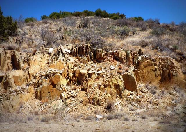167U E Meadow Drive, Mayer, AZ 86333 (MLS #5956358) :: CC & Co. Real Estate Team