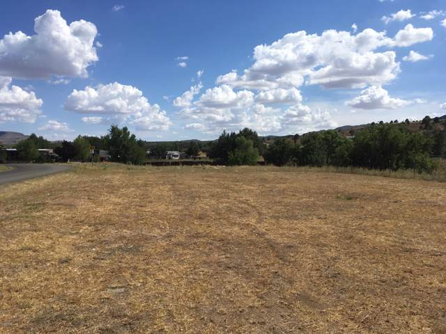 18179 S Pioneer Avenue, Peeples Valley, AZ 86332 (MLS #5961570) :: Nate Martinez Team