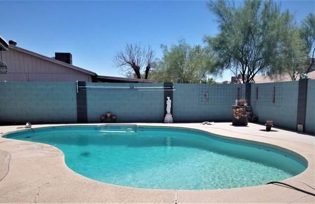 4202 N 72ND Lane, Phoenix, AZ 85033 (MLS #5966163) :: Revelation Real Estate