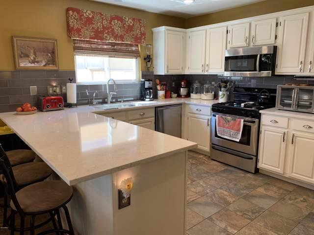 9017 W Mauna Loa Lane, Peoria, AZ 85381 (MLS #5967664) :: Conway Real Estate