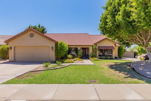 3821 E Lavender Lane, Phoenix, AZ 85044 (MLS #5968677) :: Riddle Realty Group - Keller Williams Arizona Realty
