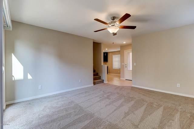8244 W Albeniz Place, Phoenix, AZ 85043 (MLS #5969234) :: Conway Real Estate