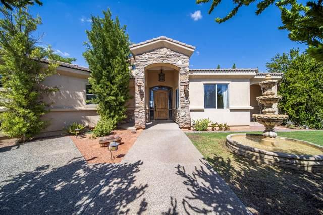 22035 W El Grande Trail, Wickenburg, AZ 85390 (MLS #5969954) :: Riddle Realty Group - Keller Williams Arizona Realty