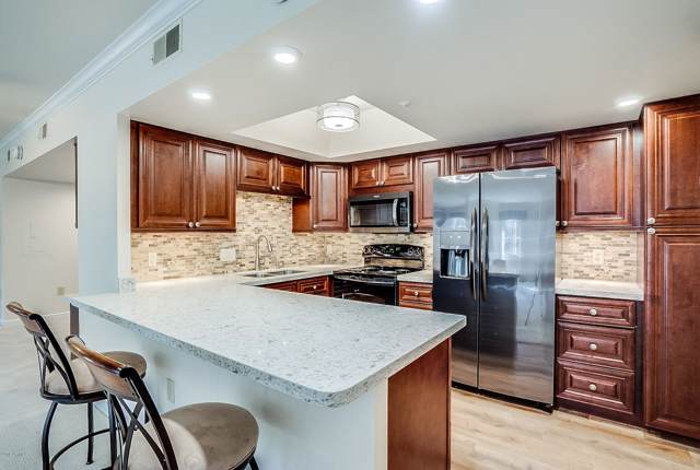 10330 W Thunderbird Boulevard B103, Sun City, AZ 85351 (MLS #5985077) :: Openshaw Real Estate Group in partnership with The Jesse Herfel Real Estate Group