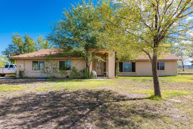 1725 W Kings Court, Paulden, AZ 86334 (MLS #5985099) :: The Kenny Klaus Team