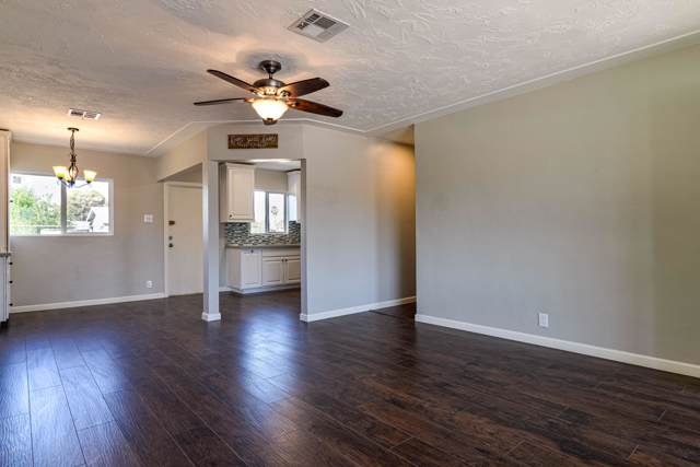 818 N 28TH Place, Phoenix, AZ 85008 (MLS #5991239) :: The W Group