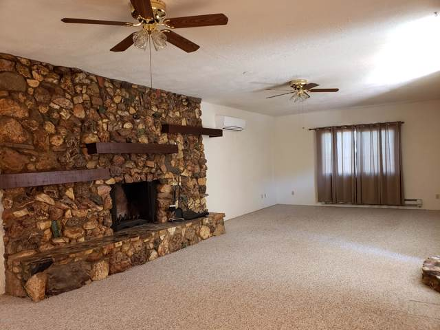 51061 W Roadrunner Flat, Wickenburg, AZ 85390 (MLS #5992214) :: Yost Realty Group at RE/MAX Casa Grande