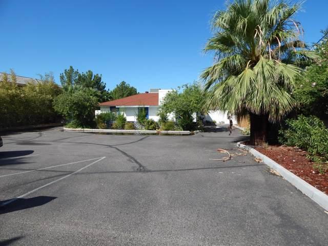 8636 N 59TH Avenue, Glendale, AZ 85302 (MLS #5994615) :: The W Group