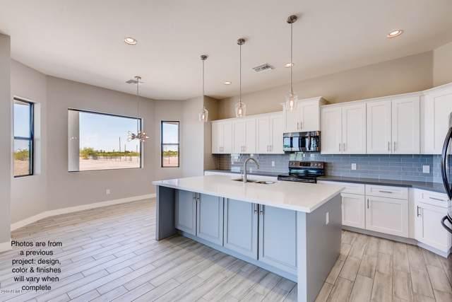 1599 E Lobo Street, San Tan Valley, AZ 85140 (MLS #5995761) :: Kortright Group - West USA Realty