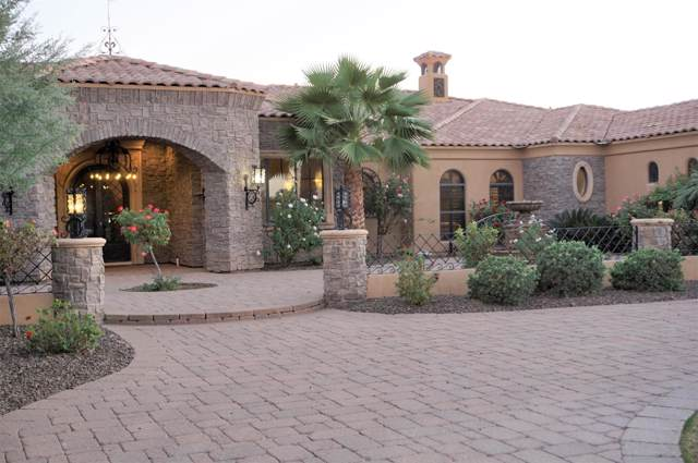 2181 E Coconino Drive, Gilbert, AZ 85298 (MLS #6000835) :: Revelation Real Estate