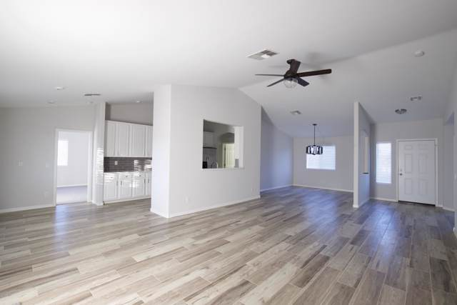 8410 S 203RD Drive, Buckeye, AZ 85326 (MLS #6004932) :: Openshaw Real Estate Group in partnership with The Jesse Herfel Real Estate Group