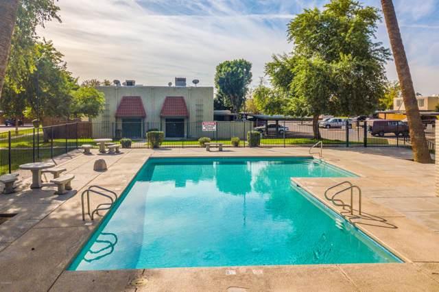 6018 W Golden Lane, Glendale, AZ 85302 (MLS #6006954) :: Homehelper Consultants