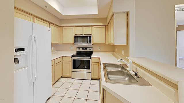 9151 W Greenway Road #187, Peoria, AZ 85381 (MLS #6008320) :: Long Realty West Valley