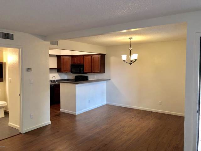 2121 S Pennington #57, Mesa, AZ 85202 (MLS #6011054) :: Riddle Realty Group - Keller Williams Arizona Realty