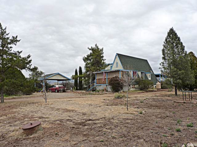 2925 S Holiday Drive, Dewey, AZ 86327 (MLS #6011650) :: The Bill and Cindy Flowers Team