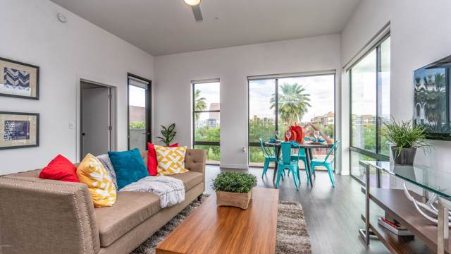 1130 N 2ND Street #205, Phoenix, AZ 85004 (MLS #6021460) :: The Kenny Klaus Team