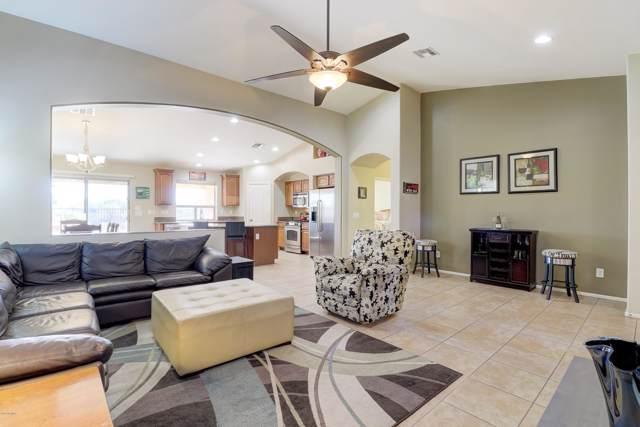 2725 E Quiet Hollow Lane, Phoenix, AZ 85024 (MLS #6022910) :: Arizona Home Group