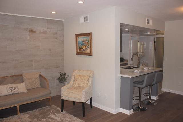 12123 W Bell Road #210, Surprise, AZ 85378 (MLS #6024082) :: Brett Tanner Home Selling Team