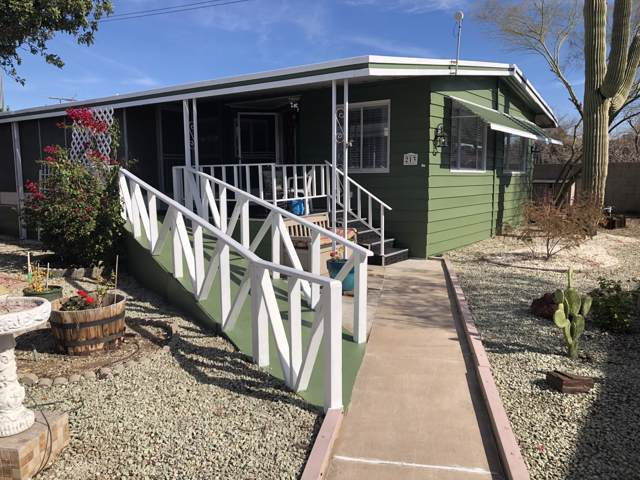 10960 N 67th Avenue #213, Glendale, AZ 85304 (MLS #6029212) :: Brett Tanner Home Selling Team