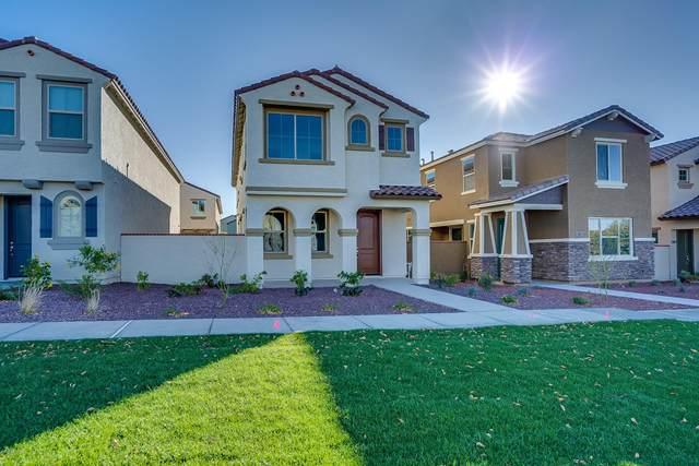 2501 N Heritage Street, Buckeye, AZ 85396 (MLS #6033086) :: Riddle Realty Group - Keller Williams Arizona Realty