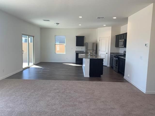 269 W Powell Drive, San Tan Valley, AZ 85140 (MLS #6037123) :: Riddle Realty Group - Keller Williams Arizona Realty