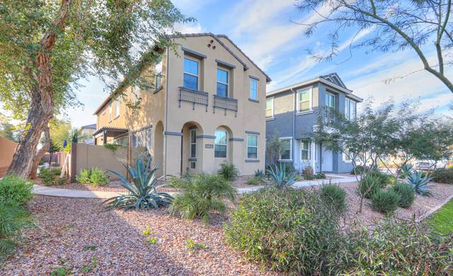 4591 S Felix Place, Chandler, AZ 85248 (MLS #6037561) :: Riddle Realty Group - Keller Williams Arizona Realty