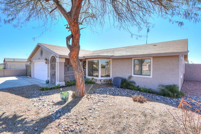 9261 W Rafael Drive, Arizona City, AZ 85123 (MLS #6037626) :: Brett Tanner Home Selling Team