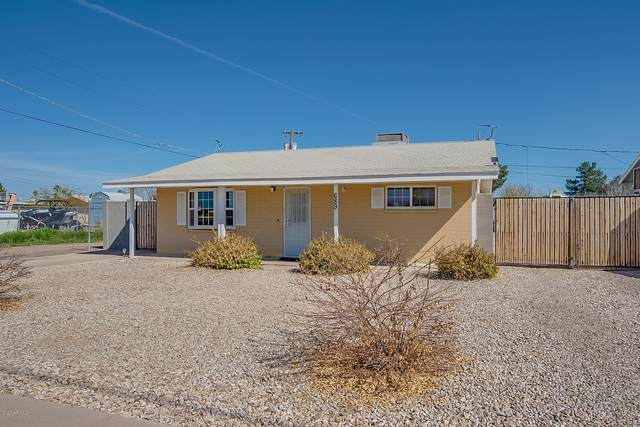 689 N 8th Place, Coolidge, AZ 85128 (MLS #6039333) :: Long Realty West Valley