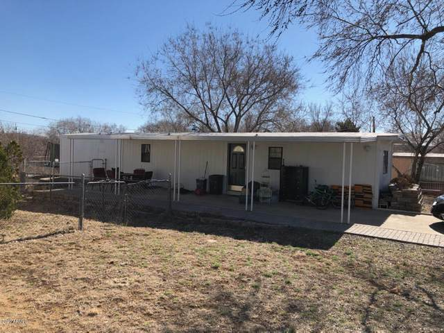 3801 N Robins Drive, Prescott Valley, AZ 86314 (MLS #6039657) :: Lucido Agency