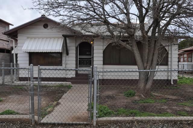 415 W Oak Street, Winslow, AZ 86047 (MLS #6044230) :: Howe Realty