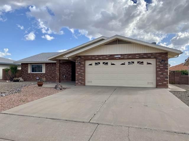 8227 E Medina Avenue, Mesa, AZ 85209 (MLS #6045560) :: The Property Partners at eXp Realty