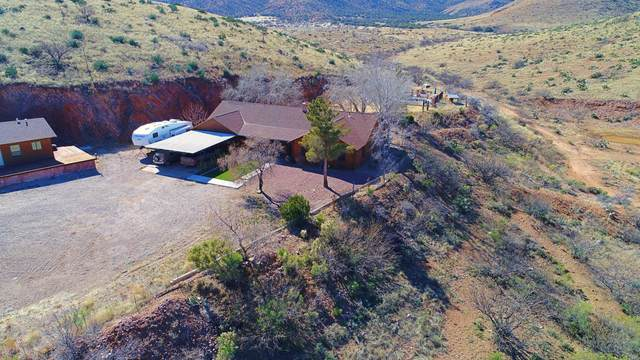 735 W Eagle Wings Road, Pearce, AZ 85625 (MLS #6051420) :: Yost Realty Group at RE/MAX Casa Grande