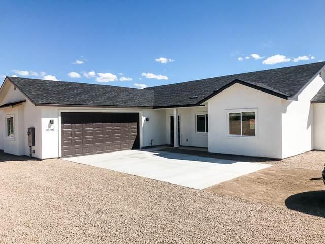33705 S Ridgeway Road, Black Canyon City, AZ 85324 (MLS #6052065) :: Brett Tanner Home Selling Team