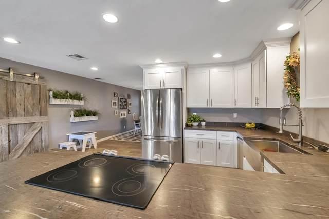 1507 W Naranja Avenue, Mesa, AZ 85202 (MLS #6053834) :: Riddle Realty Group - Keller Williams Arizona Realty