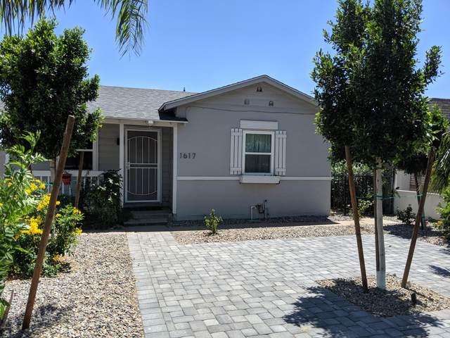 1617 W Lynwood Street, Phoenix, AZ 85007 (MLS #6054602) :: Riddle Realty Group - Keller Williams Arizona Realty