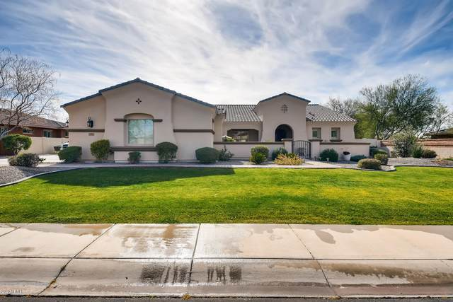 3137 E La Costa Court, Gilbert, AZ 85298 (MLS #6059615) :: Riddle Realty Group - Keller Williams Arizona Realty