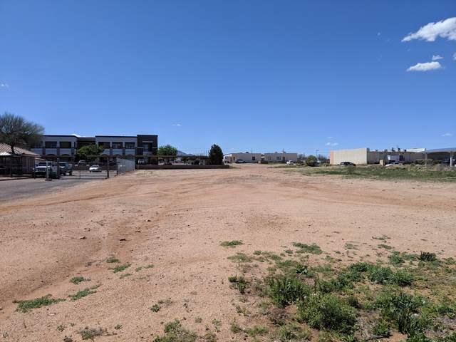 1940 Paseo San Luis, Sierra Vista, AZ 85635 (MLS #6061084) :: Long Realty West Valley