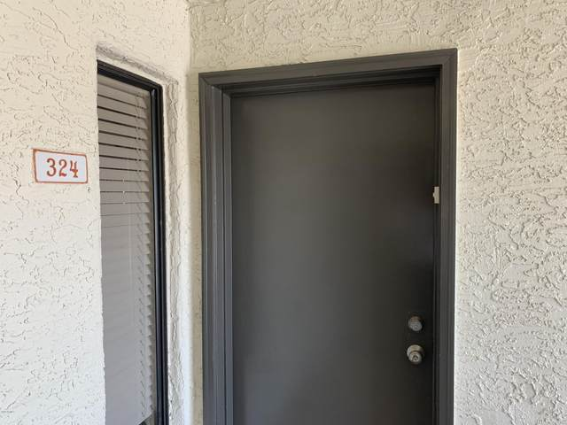 1101 S Sycamore #324, Mesa, AZ 85202 (MLS #6070036) :: The Bill and Cindy Flowers Team