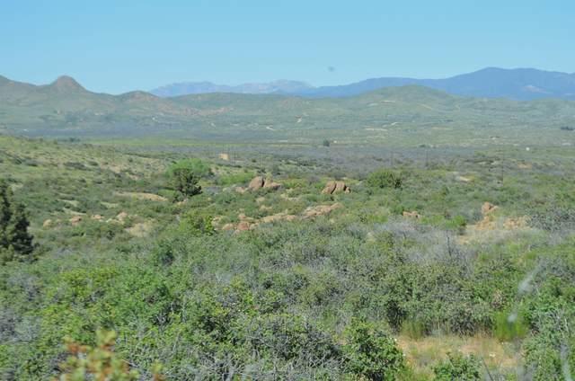 214 B W Scrub Oak Road, Kirkland, AZ 86332 (MLS #6071823) :: Arizona Home Group