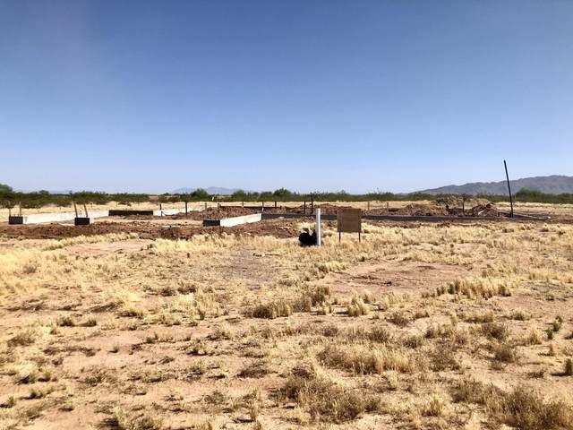 20009 W Roy Rogers Road, Wittmann, AZ 85361 (MLS #6077432) :: Brett Tanner Home Selling Team