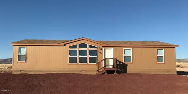 2950 W Saber Lane, Paulden, AZ 86334 (MLS #6083108) :: Yost Realty Group at RE/MAX Casa Grande