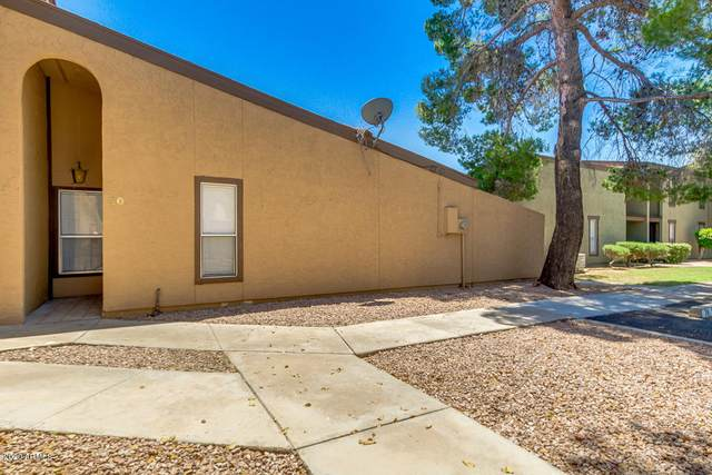 1051 S Dobson Road #40, Mesa, AZ 85202 (MLS #6090100) :: Riddle Realty Group - Keller Williams Arizona Realty