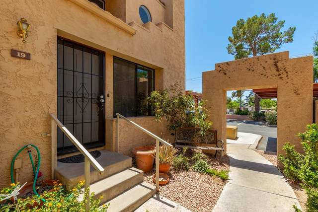 1025 E Highland Avenue #19, Phoenix, AZ 85014 (MLS #6091343) :: Klaus Team Real Estate Solutions