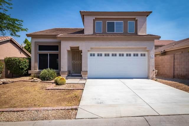 6718 E Rhodes Street, Mesa, AZ 85215 (MLS #6094116) :: The Luna Team