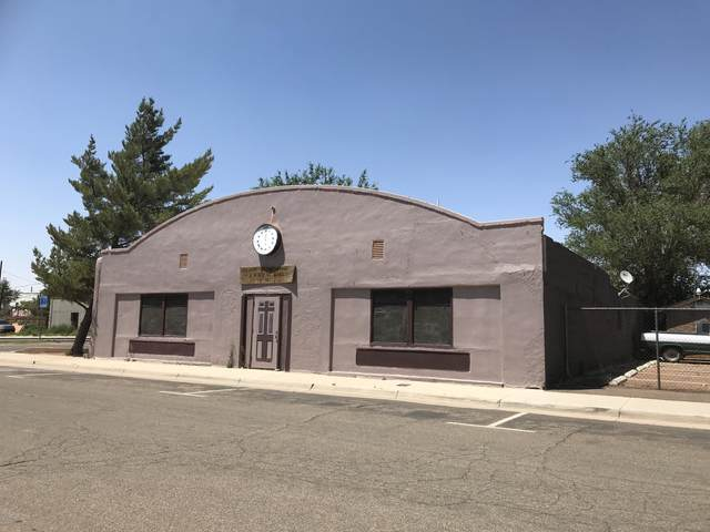 104 E 1st Street, Winslow, AZ 86047 (MLS #6095609) :: Yost Realty Group at RE/MAX Casa Grande