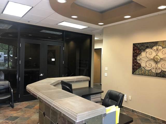13840 N Northsight Boulevard N #117, Scottsdale, AZ 85260 (MLS #6096676) :: Brett Tanner Home Selling Team